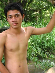 Sexy Thai guy strips in the wild, Added: 2012-02-14 by BoyKakke