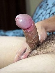 Mason Stone strokes his dick, Added: 2012-12-19 by Buzz West