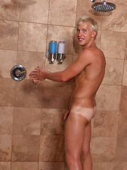 Hot blond twink Everett strokes dick, Added: 2013-06-20 by SeanCody